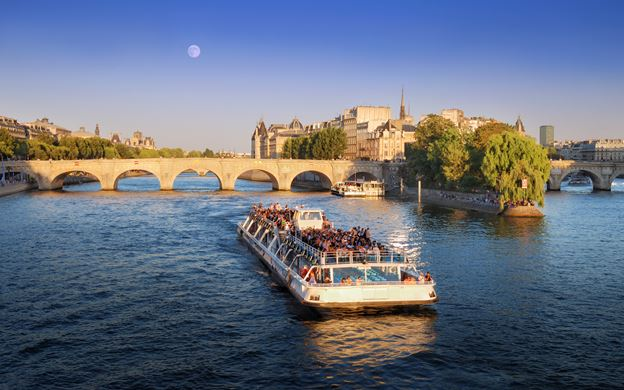 Romantic things to do in paris, Romantic things to do in paris on a budget, Romantic things to do in paris at night