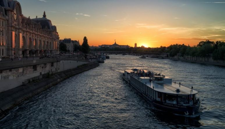 Romance in Paris, Romantic things to do in paris on a budget, Romantic things to do in paris at night,