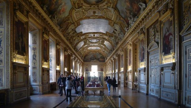 Louvre Museum facts, Louvre Museum fun facts, interesting facts of Louvre Museum