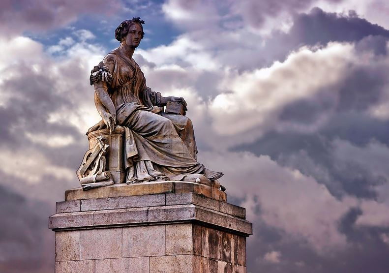 he Most Visited Monument in Paris, Famous Historical Monuments of Paris,