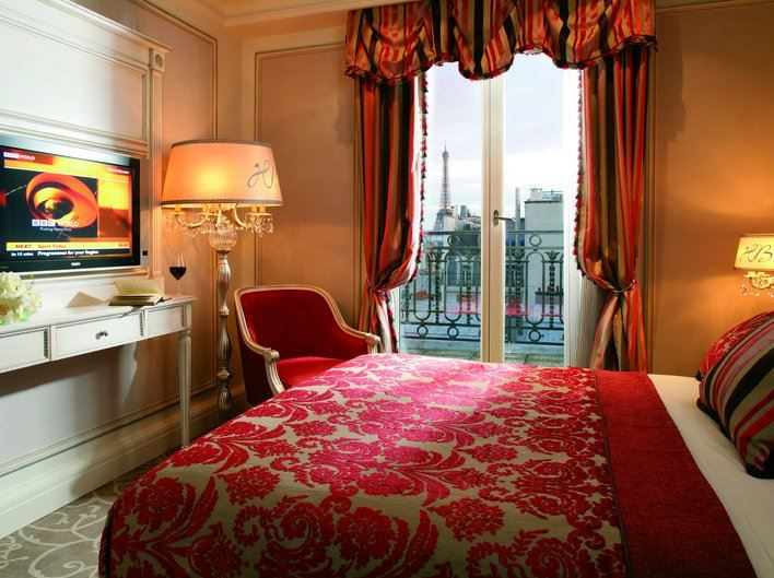 best hotels in Paris, hotels with Eiffel Tower view, Eiffel view hotels