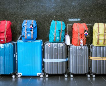things to carry while traveling in flight, what to pack