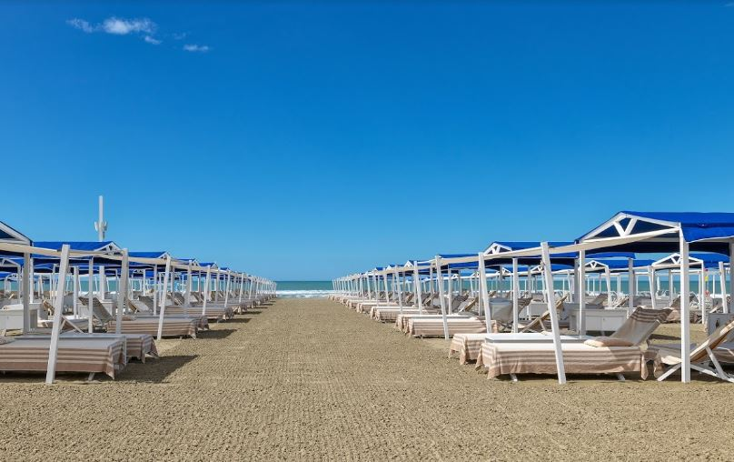 cool beaches nearest to Florence, greatest day trips from Florence.