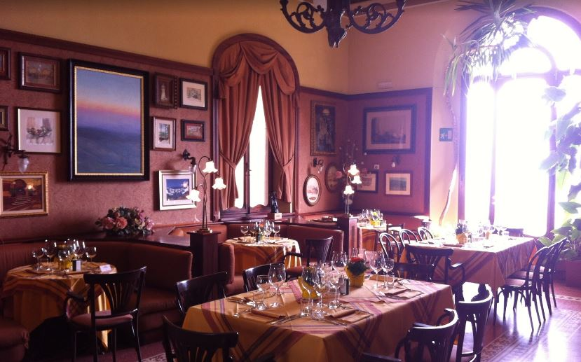 Topmost Cafe in Tuscany, Cafe in Tuscany,