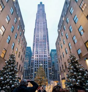Planning for shopping at Christmas Market in New York? Scroll down and choose the markets to celebrate Christmas in New York.