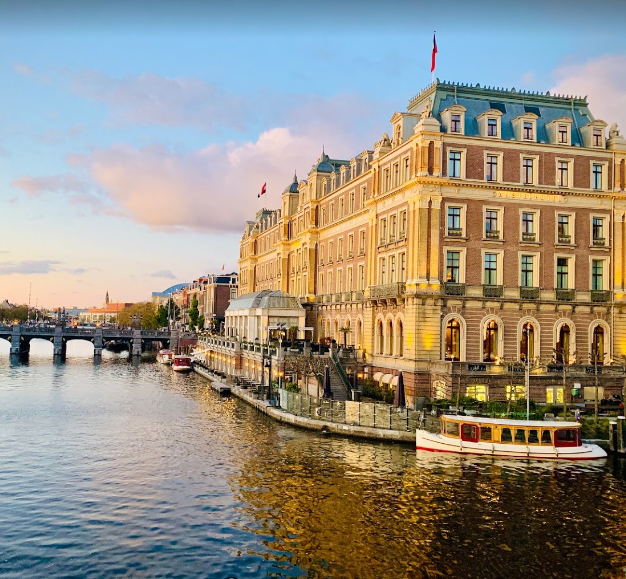 best places to visit in Amsterdam, most beautiful places in Amsterdam,10 Best places in Amsterdam to Visit