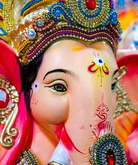 Mumbai is famous for what, Mumbai Ganesh Chaturthi, Bollywood actors, Mumbai is famous for which food