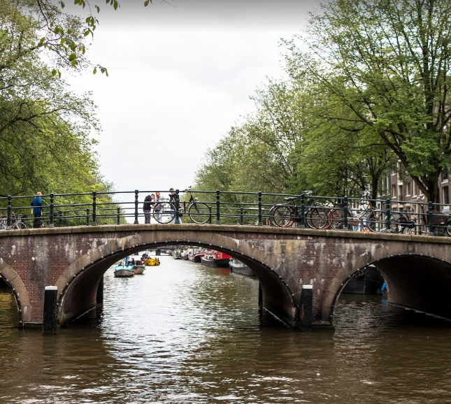 what is Amsterdam famous for, what makes Amsterdam famous, what things Amsterdam is famous for