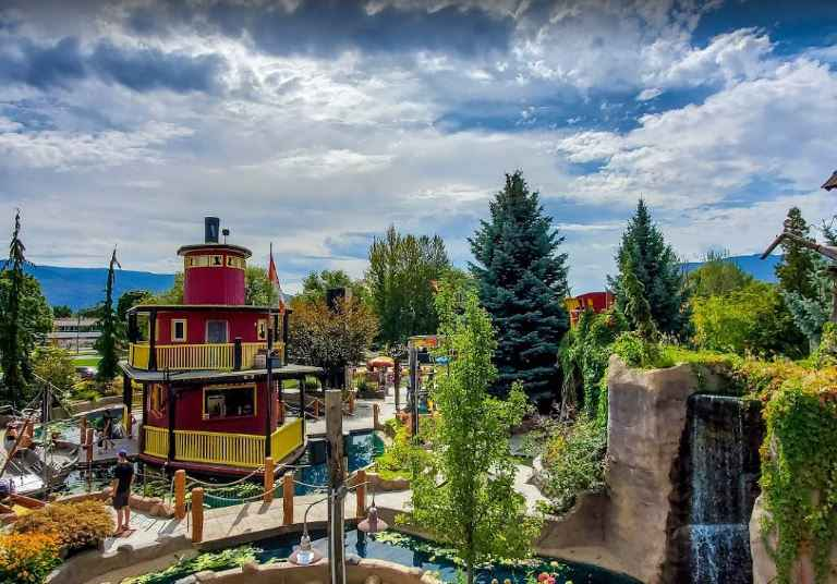 water parks in Vancouver BC Canada, popular water parks in Vancouver BC