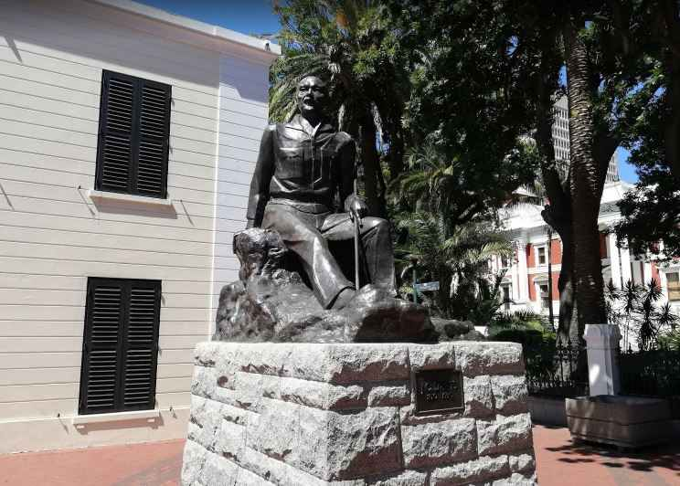 Cape Town monuments, buildings in Cape Town South Africa, top monuments in Cape Town