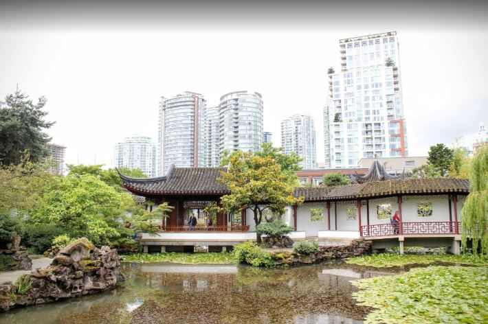 monuments to visit in Vancouver, top monuments in Vancouver, victory monument Vancouver Canada