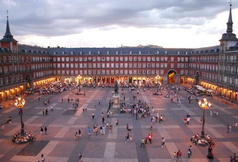 historical monuments in Madrid, famous monuments in Madrid Spain, important monuments in Madrid, famous buildings and monuments in Madrid