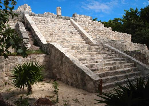 iconic monuments in Cancun, beautiful monuments in Cancun, most popular monuments in Cancun, most famous monuments in Cancun, popular historic monuments of Cancun