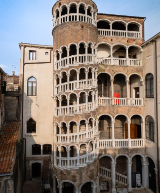 top monuments in Italy, unique monuments in Italy, popular monuments in Italy, ancient monuments in Italy, old monuments in Italy, most visited monuments in Italy, beautiful monuments in Italy, monuments to see in Italy, monuments to visit in Italy