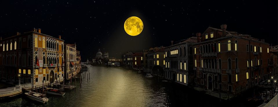 Unusual Places To See in the Venice