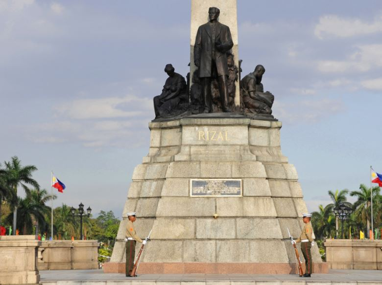 iconic monuments in Philippines, beautiful monuments in Philippines, most popular Monuments in Philippines, most famous monuments in Philippines