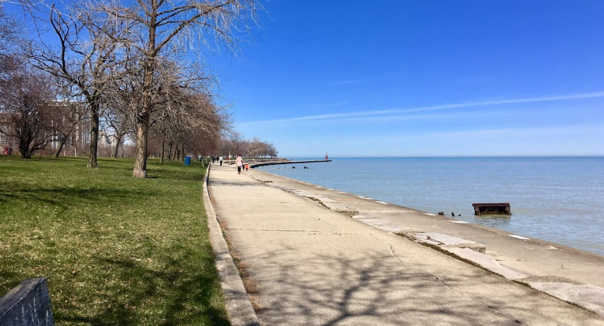 Go through the list of Famous Beaches in Chicago to plan a budget-friendly trip. We have provided the address of all beaches so that you can choose the nearest one.