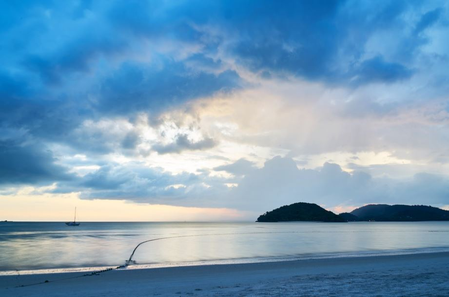 famous beaches of Malaysia, Malaysia's top beaches to visit, a popular beach in Malaysia, the top beach in Malaysia