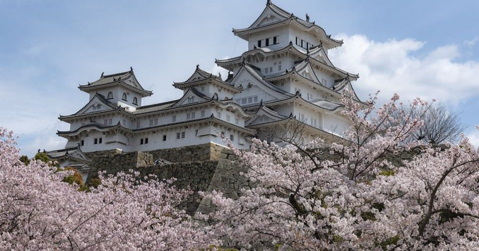a trip to the Himeji Castle, Complete Route Guide to Visiting the Himeji Castle, Best Route to the Himeji Castle, taxis to reach this Himeji Castle, train route to reach this Himeji Castle,