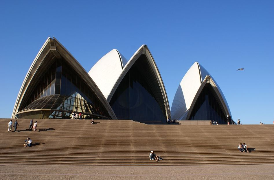 a trip to the Sydney Opera House, Complete Route Guide to Visiting the Roman Sydney Opera House, Best Route to the Sydney Opera House, taxis to reach this Sydney Opera House, train route to reach this Sydney Opera House,