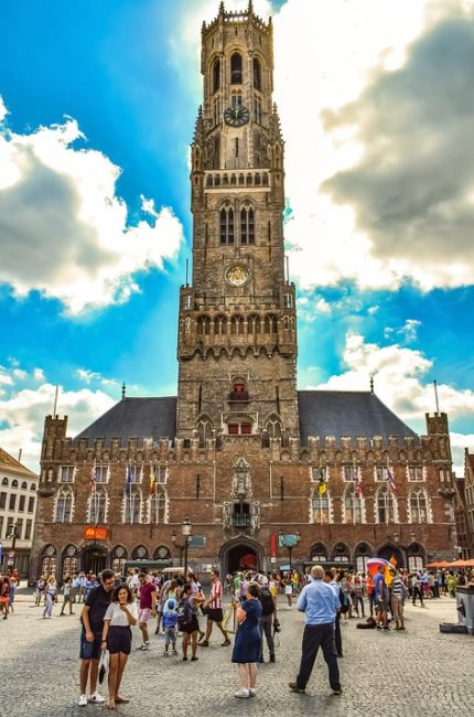 a trip to the Markt, Complete Route Guide to Visiting the Markt, Best Route to the Markt, bikes to reach this Markt, train route to reach this Markt, convenient route to Markt, various routes to reach the Markt in Bruges