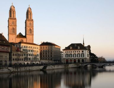 a trip to the Grossmünster, Complete Route Guide to Visiting the Grossmünster, Best Route to the Grossmünster, bikes to reach this Grossmünster,