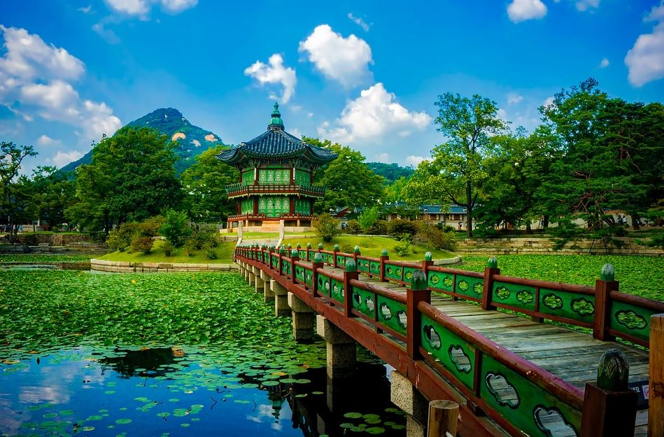 a trip to the Gyeongbokgung Palace, Complete Route Guide to Visiting the Gyeongbokgung Palace, Best Route to the Gyeongbokgung Palace, taxis to reach this Gyeongbokgung Palace, train route to reach this Gyeongbokgung Palace