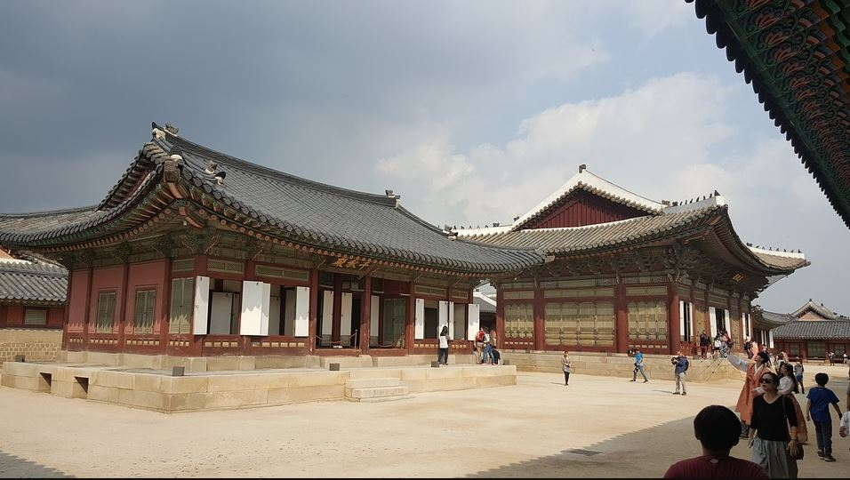 Best Route to the Gyeongbokgung Palace, taxis to reach this Gyeongbokgung Palace, train route to reach this Gyeongbokgung Palace, convenient route to Gyeongbokgung Palace