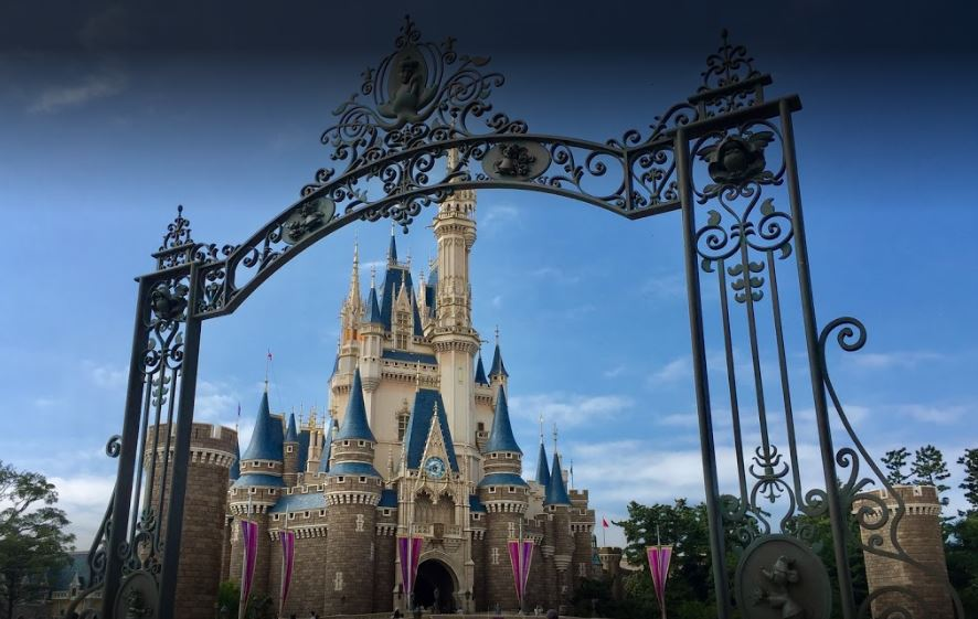 convenient route to Tokyo Disneyland, various routes to reach the Tokyo Disneyland in Tokyo