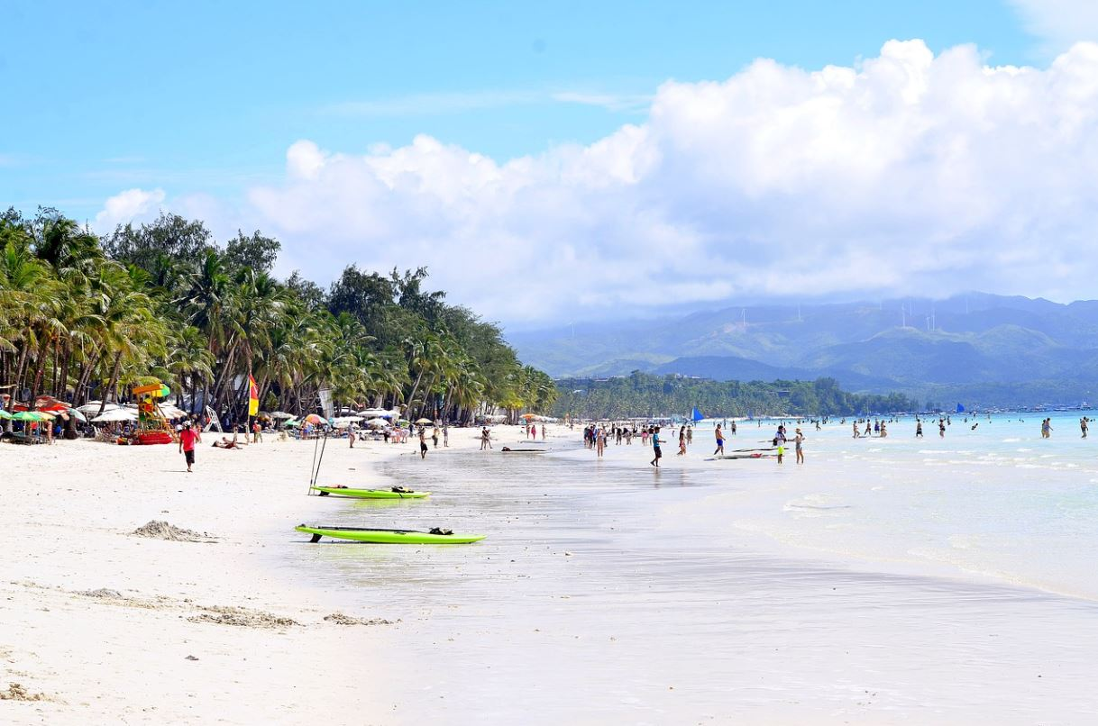 top 10 islands in the Philippinesto visit in summer,most popular islands in the Philippines to visit in summer for tourists