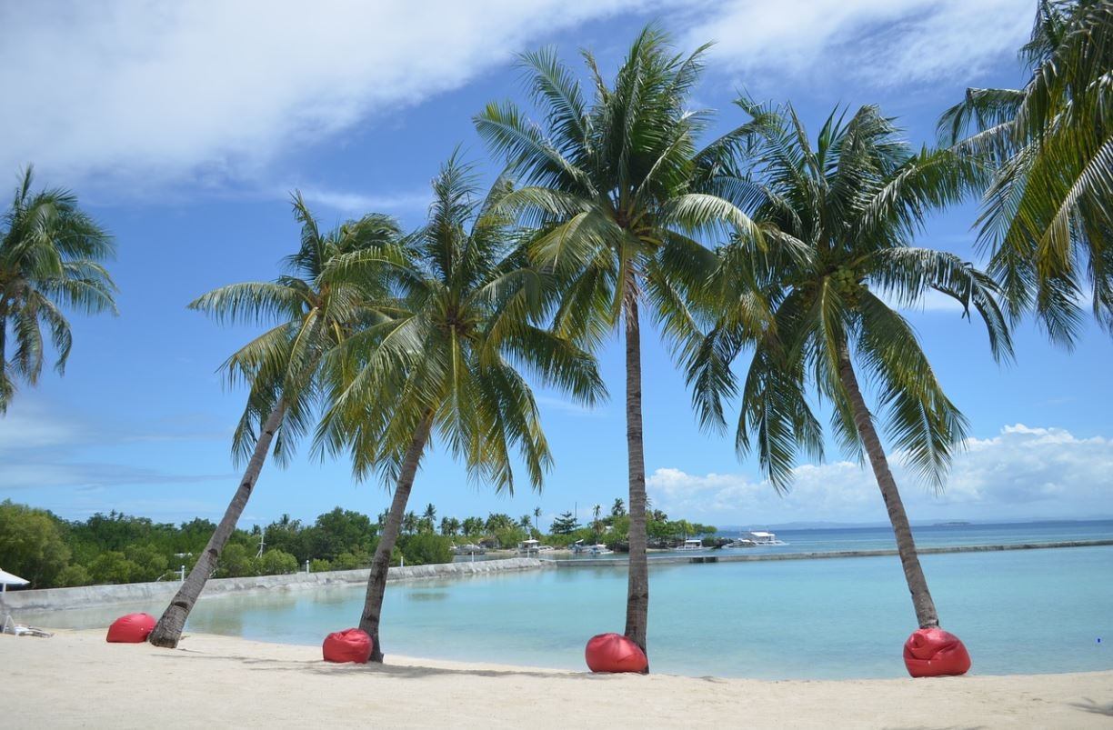 best islands to visit in the Philippines on summer holidays, Philippine summer vacation, top 10 islands in the Philippinesto visit in summer,most popular islands in the Philippines to visit in summer for tourists