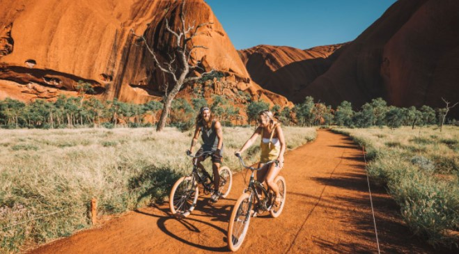 famous road trips in Australia, top 10 road tours in Australia 2021, popular road trip in Australia, road trip in Victoria Australia, road trips in east coast Australia, road trips from Sydney Australia,