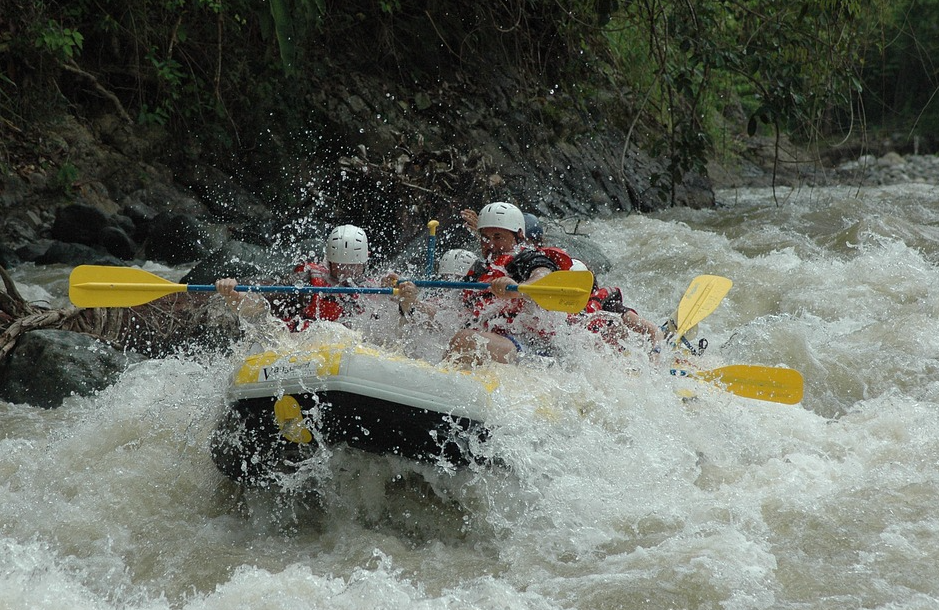 best place for river rafting in India, best white river rafting in India, best place to do river rafting in India, best river rafting in north India, which is the best place for river rafting in India, best rivers for rafting in India