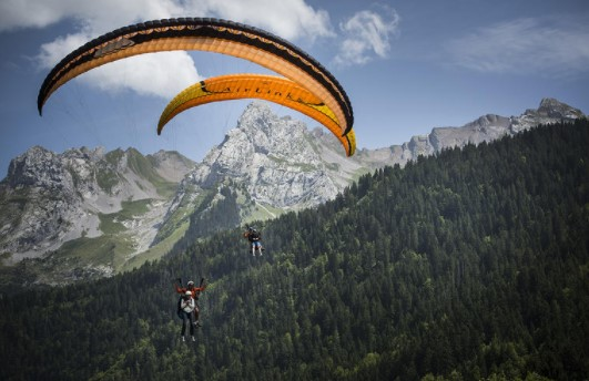 list of 10 places in France for paragliding, beginner schools in France for paragliding, paragliding in France, popular paragliding places in France, ideal place in France for paragliding, paragliding spot in France